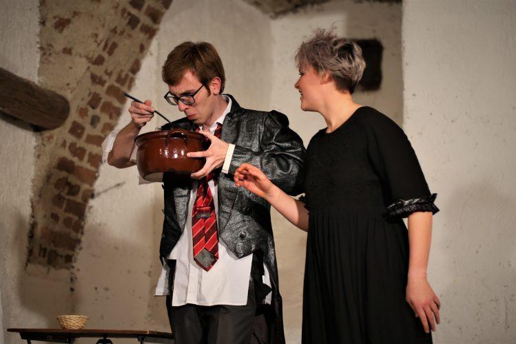 Jugendtheater_2018_DerWiderspenstigenZaehmung (10)