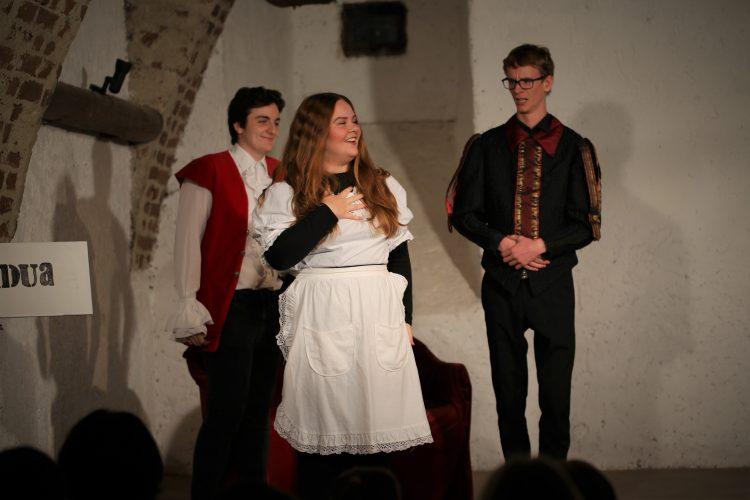 Jugendtheater_2018_DerWiderspenstigenZaehmung (2)