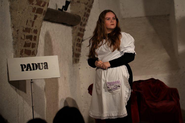 Jugendtheater_2018_DerWiderspenstigenZaehmung (5)